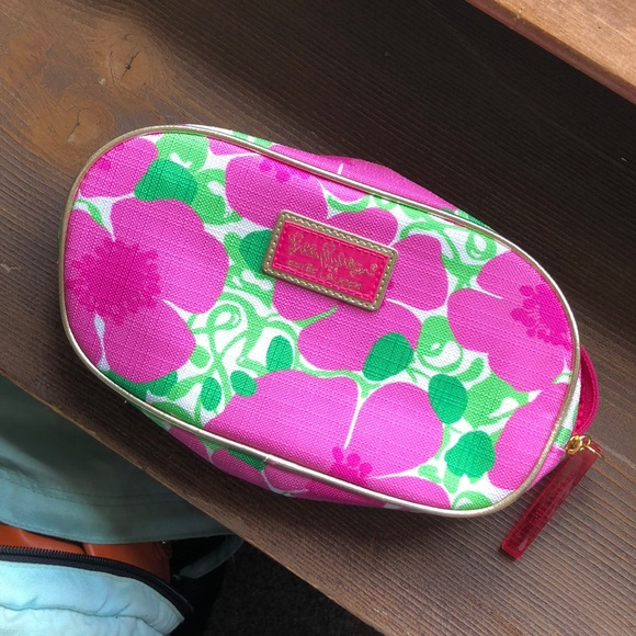 Lilly Pulitzer Handbags - Lilly Pullitzer makeup bag